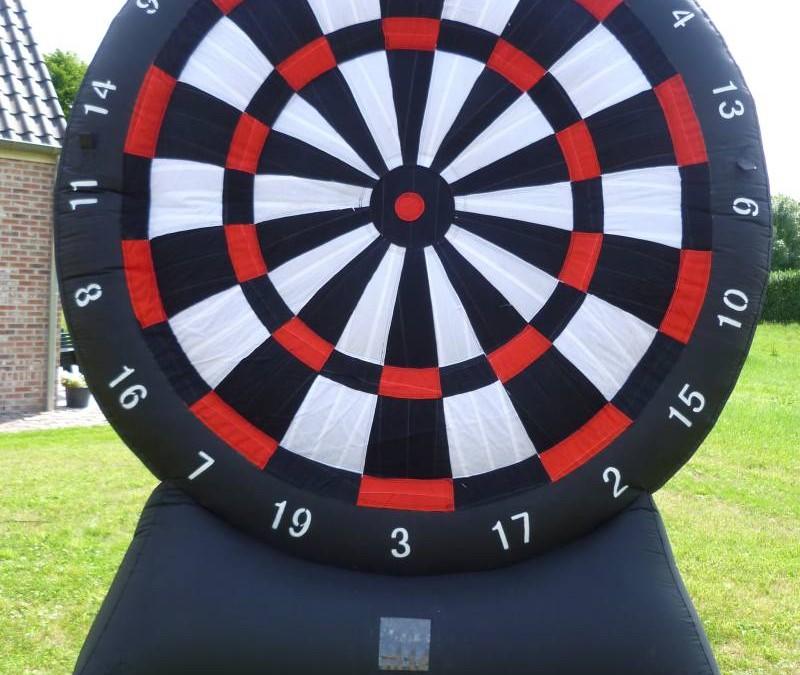 Dartboard met darts