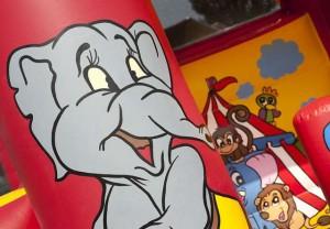 dbc verhuur springkastelen - Het Circus 3