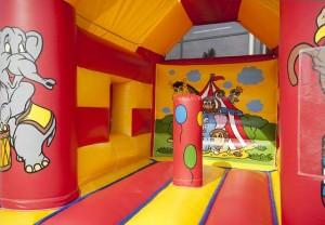 dbc verhuur springkastelen - Het Circus 4