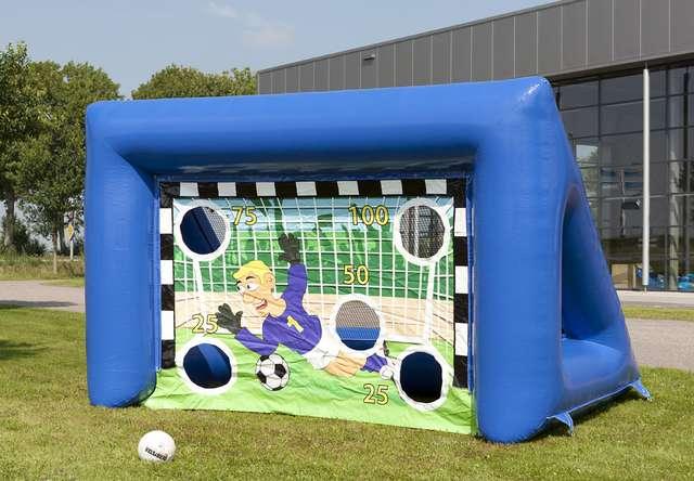 Voetbalspel met doel